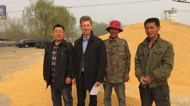 Prof. Krska visiting a local maize market near Beijing, China